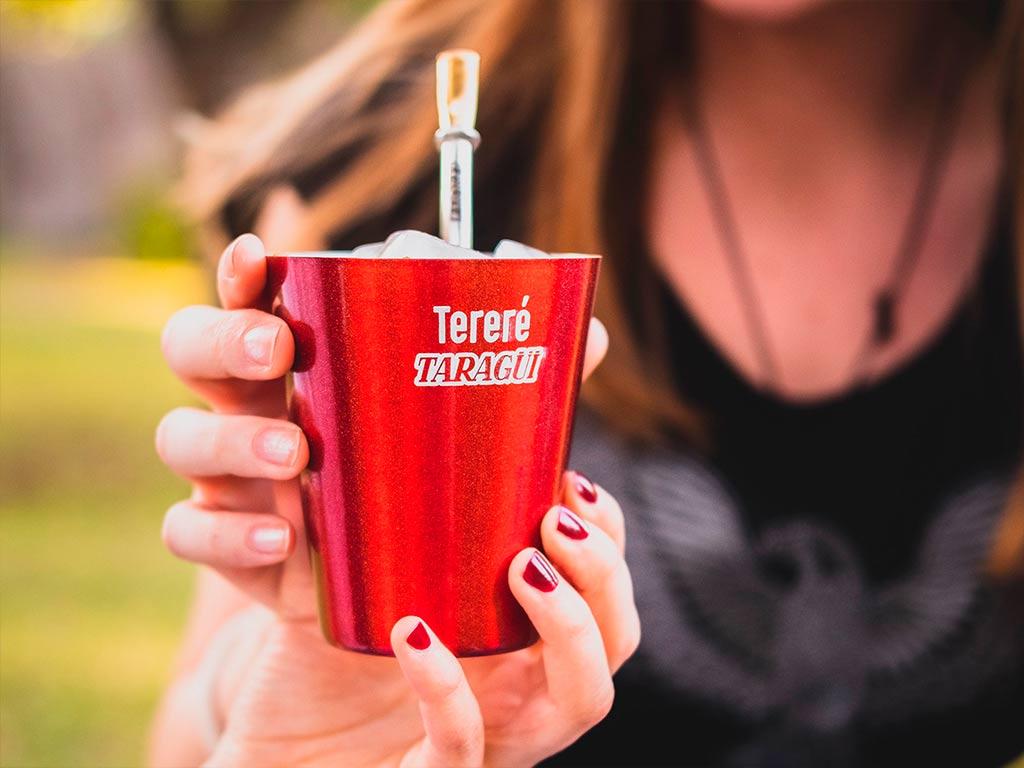 El terere es la bebida fresca de yerba mate taragui